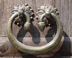 Udaipur, Rajasthan, India - Feb 2017 (Keith.William.Rapley) Tags: udaipur rajasthan india feb2017 february rapley keithwilliamrapley 2017 doorhandle ornate door doorknocker wooden woodendoor