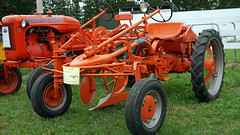 1949 Allis Chalmer G Tractor. (Branxholm) Tags: plough plow harvest farm ranch cattle sheep horse wheat corn oats crawler bulldozer farmall case moline oliver john deere