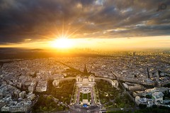 Top Tour Eiffel, PARIS (J P | Photography) Tags: paris toureiffel top sunset soleil nikon d7000 uga clouds trocadéro photoshop blending france french jp damedefer capitale paysage coucherdesoleil horizon parisien seine wallpaper tour eiffel ps colors rayons light landscape