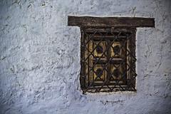 Ventana en casa judía (Ignacio M. Jiménez) Tags: ventana window madera wood hierro iron metal pared wall ignaciomjiménez ubeda jaen andalucia andalusia españa spain