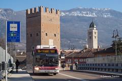 Le tre torri... ed il bus (gabriele trentini) Tags: trento tn italia it autobus iveco torre ponte strada urbano bus trasportopubblico trentino trentinotrasporti trentinotrasportiesercizio italy bas