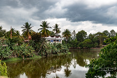 Cambodia_321 (10 of 11) (moelpd8) Tags: bakongtemple cambodia lake home pursatprovince kh