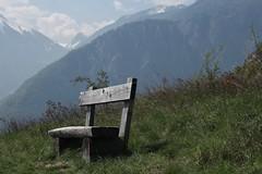 banc (bulbocode909) Tags: bancs nature montagnes printemps vert prairies nuages bleu valais suisse branson