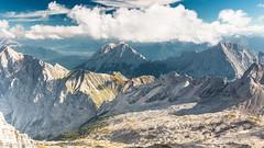 Blick von der Zugspitze über Wettersteingebirge ud Mieminger Kette ins Inntal (Bernd Edelmann) Tags: berge alpen zugspitze inntal natur nature mountains landschaft landscape