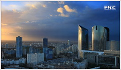 Nanterre - La Défense (Philippe Cottier (PH.C)) Tags: ladéfense nanterre puteaux sunset time france cityscape urban panorama ville banlieue parisienne europe hautsdeseine citépablopicasso ciel nuages sky clouds light tourgranite 92 skyscrapers urbain paysage tourschassagneetalicante tourssociétégénérale